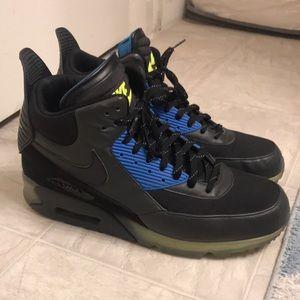 RARE Nike Air Max 90 sneaker boot - HOTT